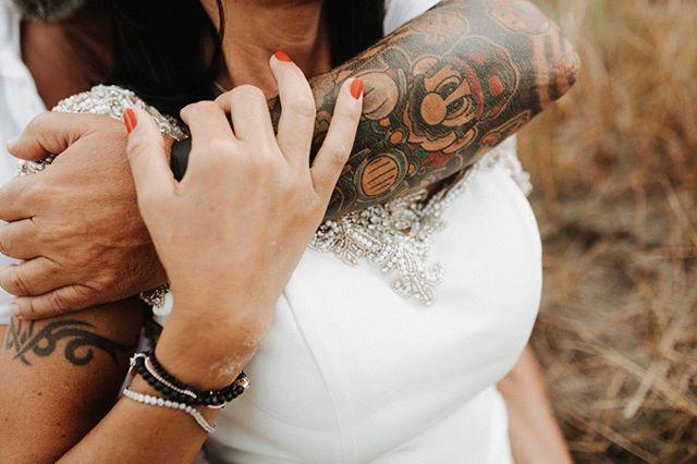 #norderney #norderneymeineinsel  #norderneyliebe #liebe #insel #hochzeit #inselhochzeit # badekarre #  #brautkleid #brautfrisur #brautstrauß #braut #strand #strandhochzeit #ney #heiratenamstrand #standesamt #dünen # meer #meerliebe #vintagewedding  #vintage #haarkranz #blumenkranz #tattoo #supermario